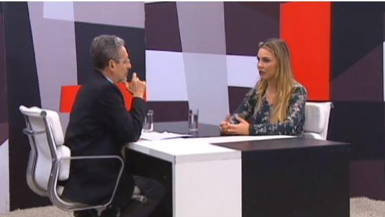 Deputada fala ao programa Palavra Aberta, da TV Câmara