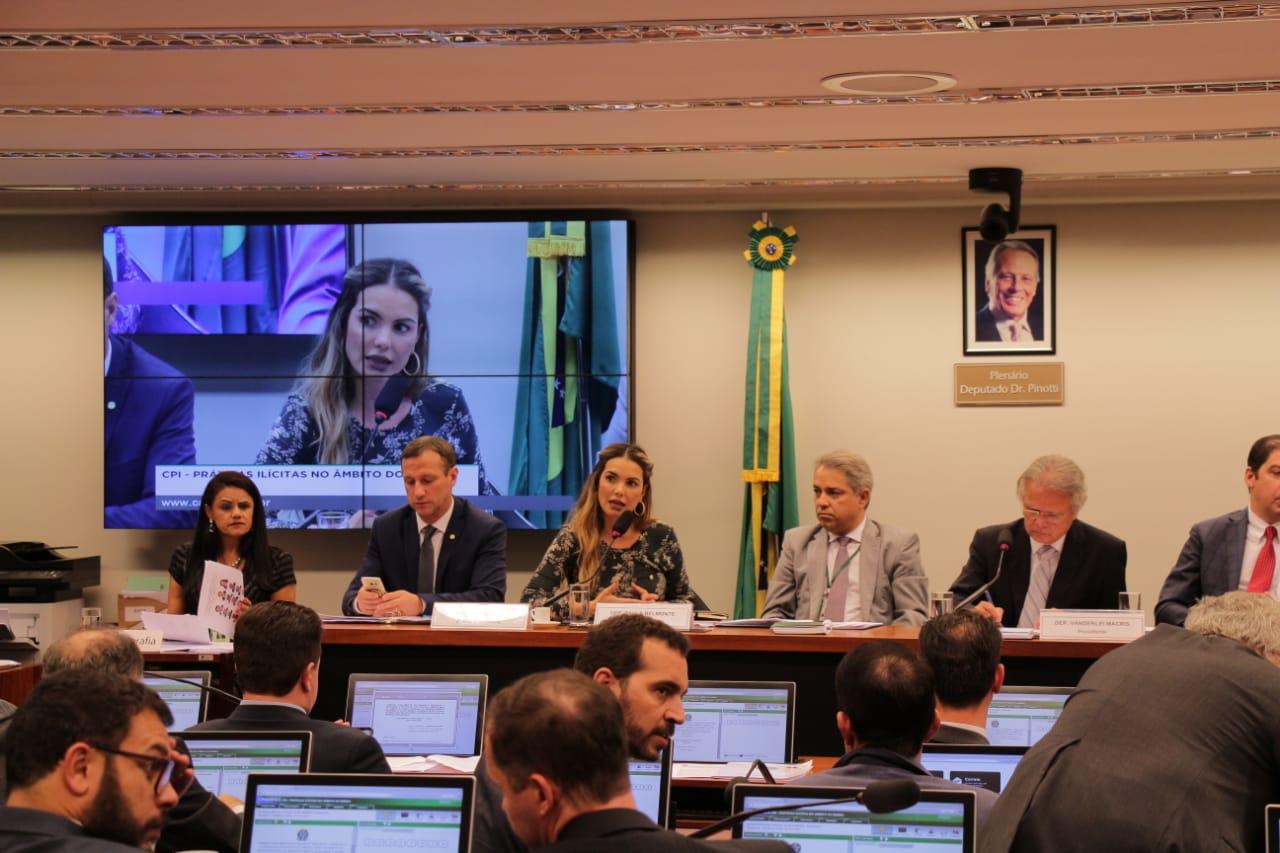 CPI aprova requerimentos de Paula Belmonte para convocação de ex-presidentes do BNDES