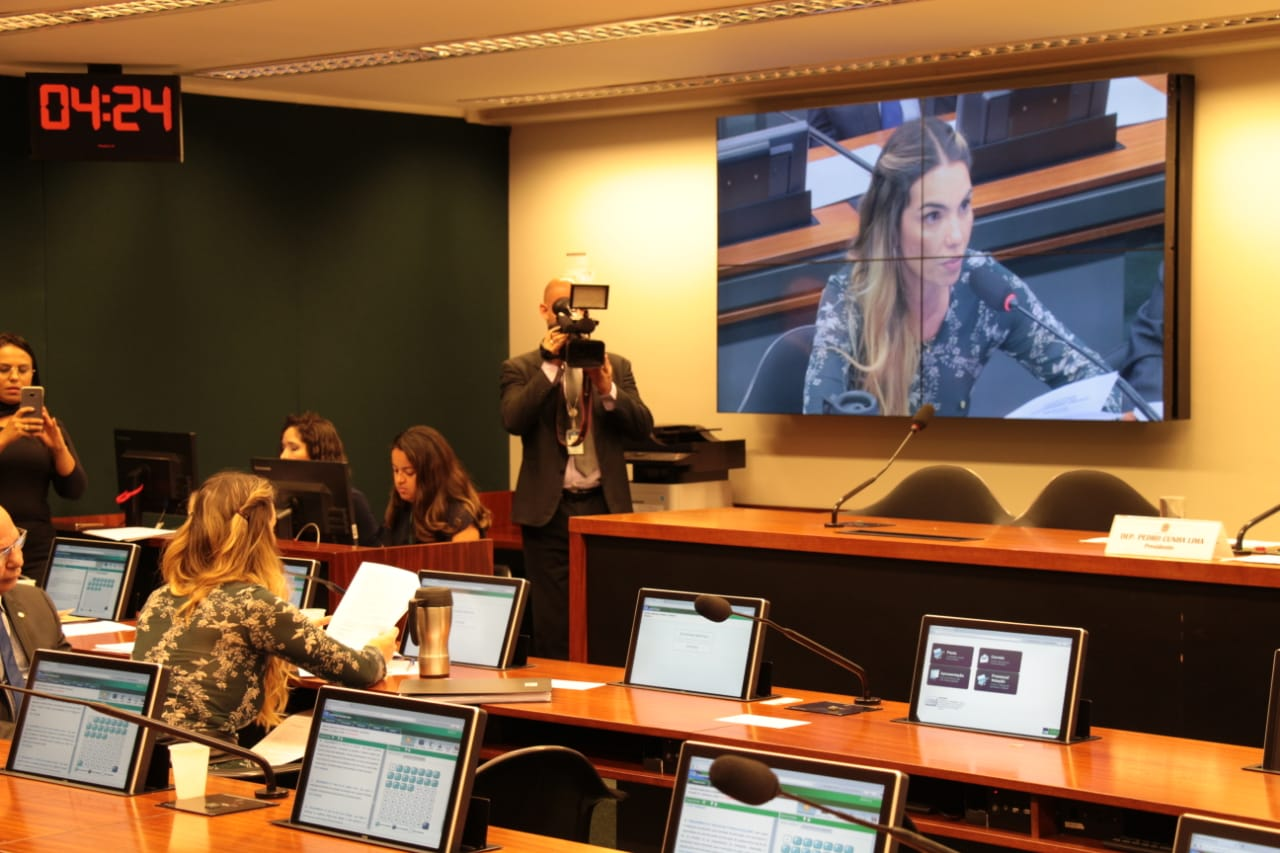 Paula Belmonte propõe debate sobre informação nutricional dos alimentos