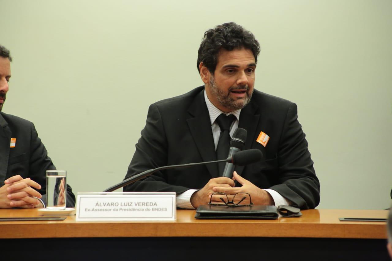 AO VIVO: CPI ouve ex-assessor da presidência do BNDES