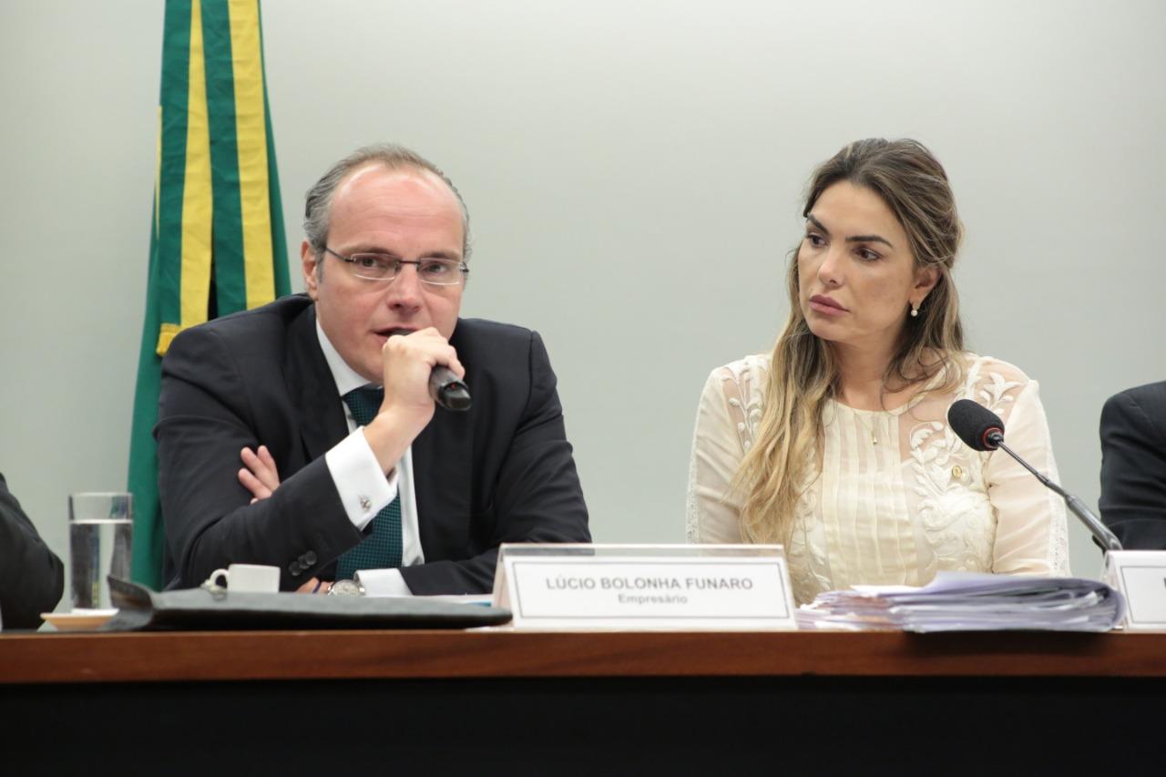 Lúcio Funaro diz a Paula Belmonte que Joesley devia estar na cadeia
