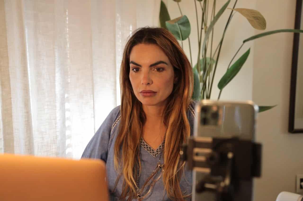 Paula Belmonte alerta sobre uso do dinheiro público