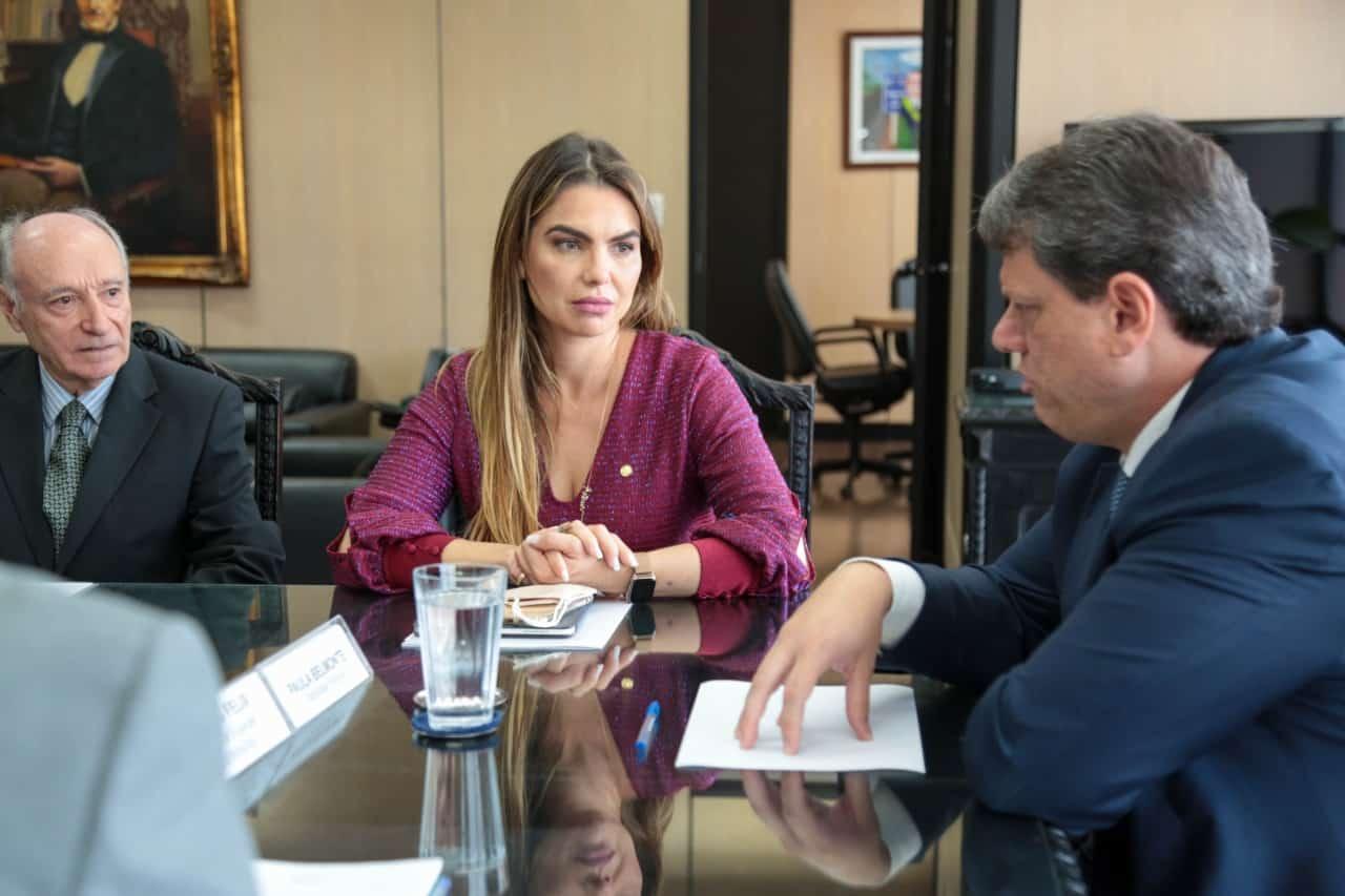 Paula Belmonte se encontra com o ministro da Infraestrutura