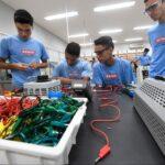 Indústria tem mais de 60 mil vagas para jovem aprendiz em parceria com SENAI