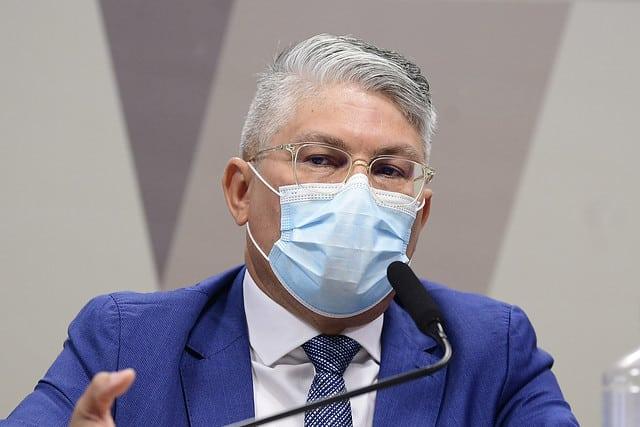 AO VIVO: ex-secretário de Saúde Francisco Araújo presta depoimento à CPI