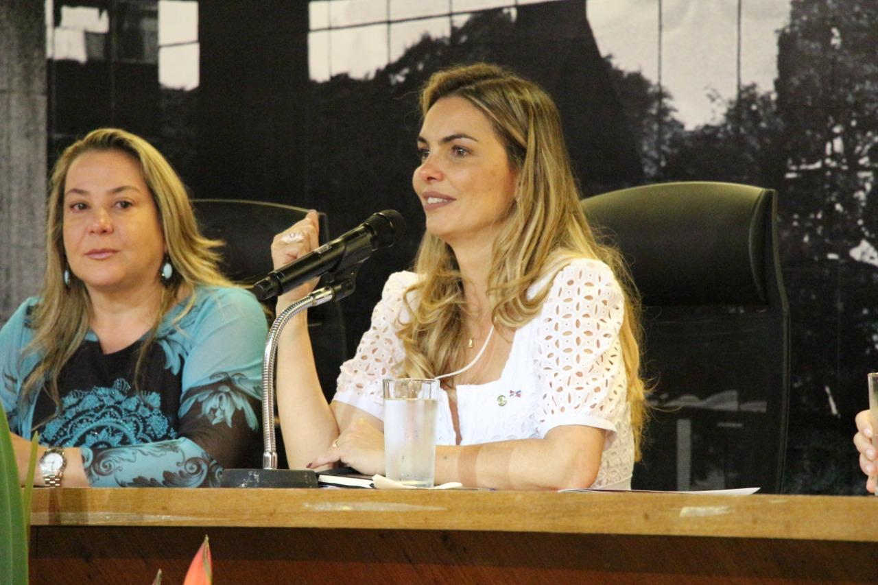 """""""Não podemos permitir que os sonhos das crianças sejam interrompidos"""", diz Paula Belmonte"""