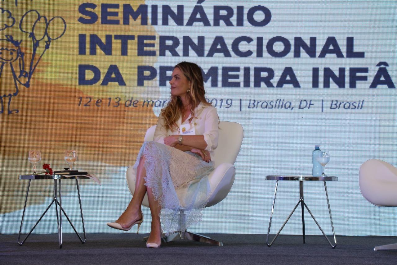 Deputada reafirma compromisso com a primeira infância e a educação em seminário internacional