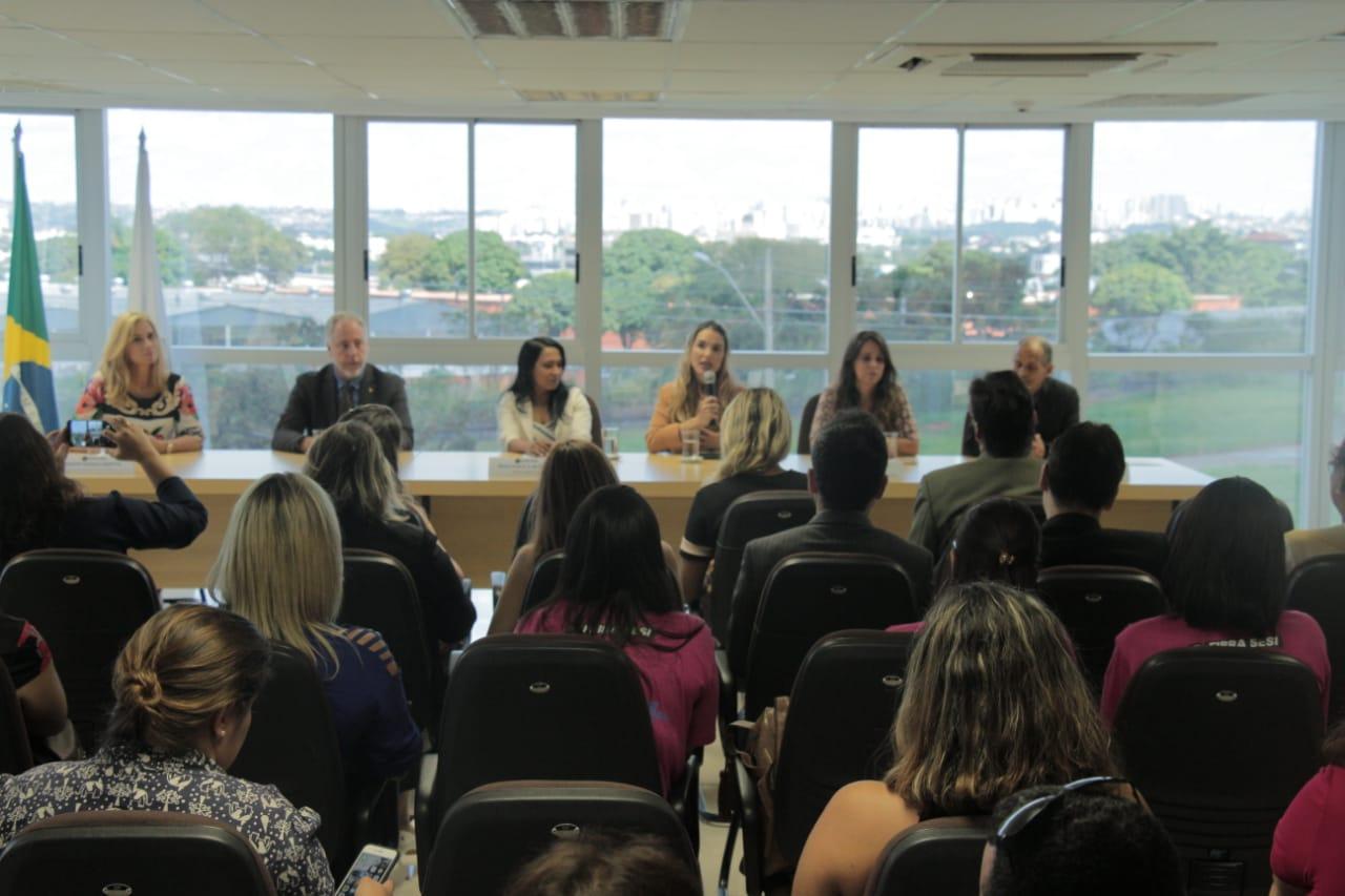 Paula Belmonte garante apoio à programa da Defensoria para crianças e jovens