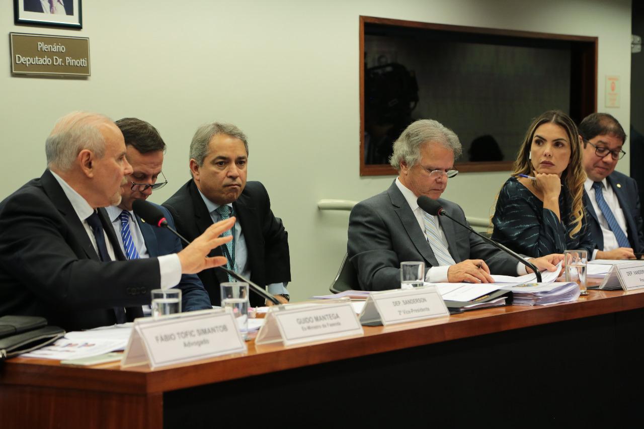 AO VIVO: CPI do BNDES ouve Guido Mantega