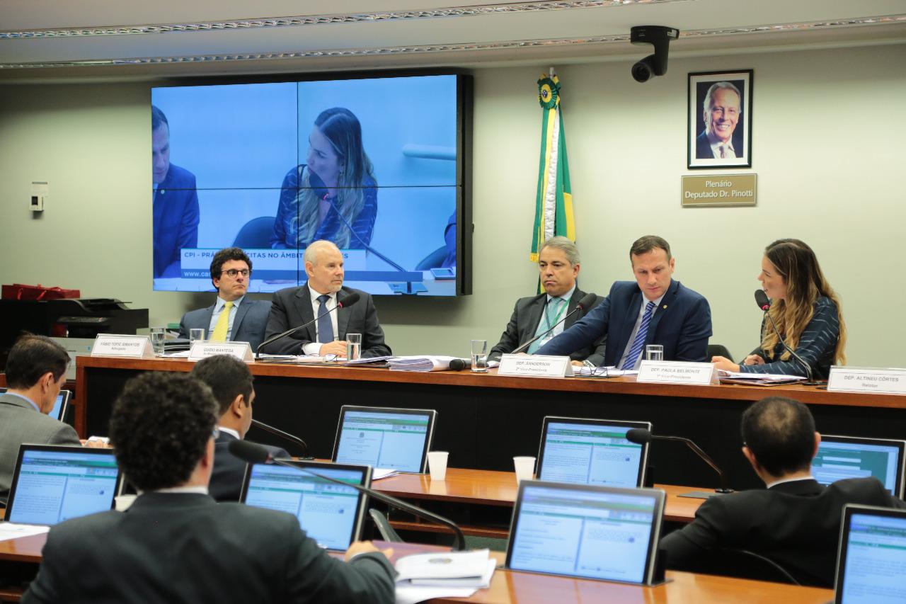 Paula Belmonte repudia Guido Mantega ao ironizar práticas ilegais no BNDES