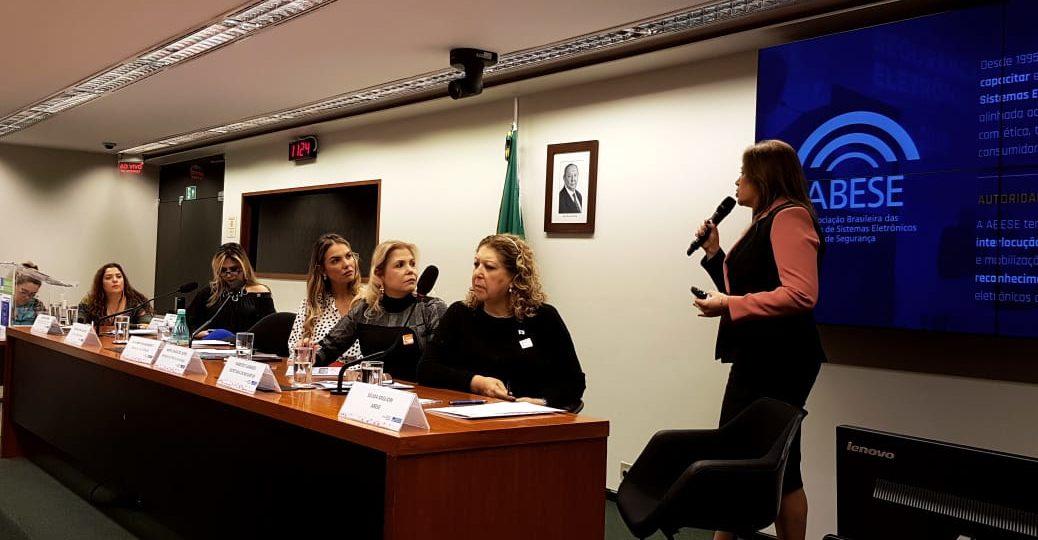 AO VIVO: Tecnologias que ajudam a combater a violência contra a mulher e famílias
