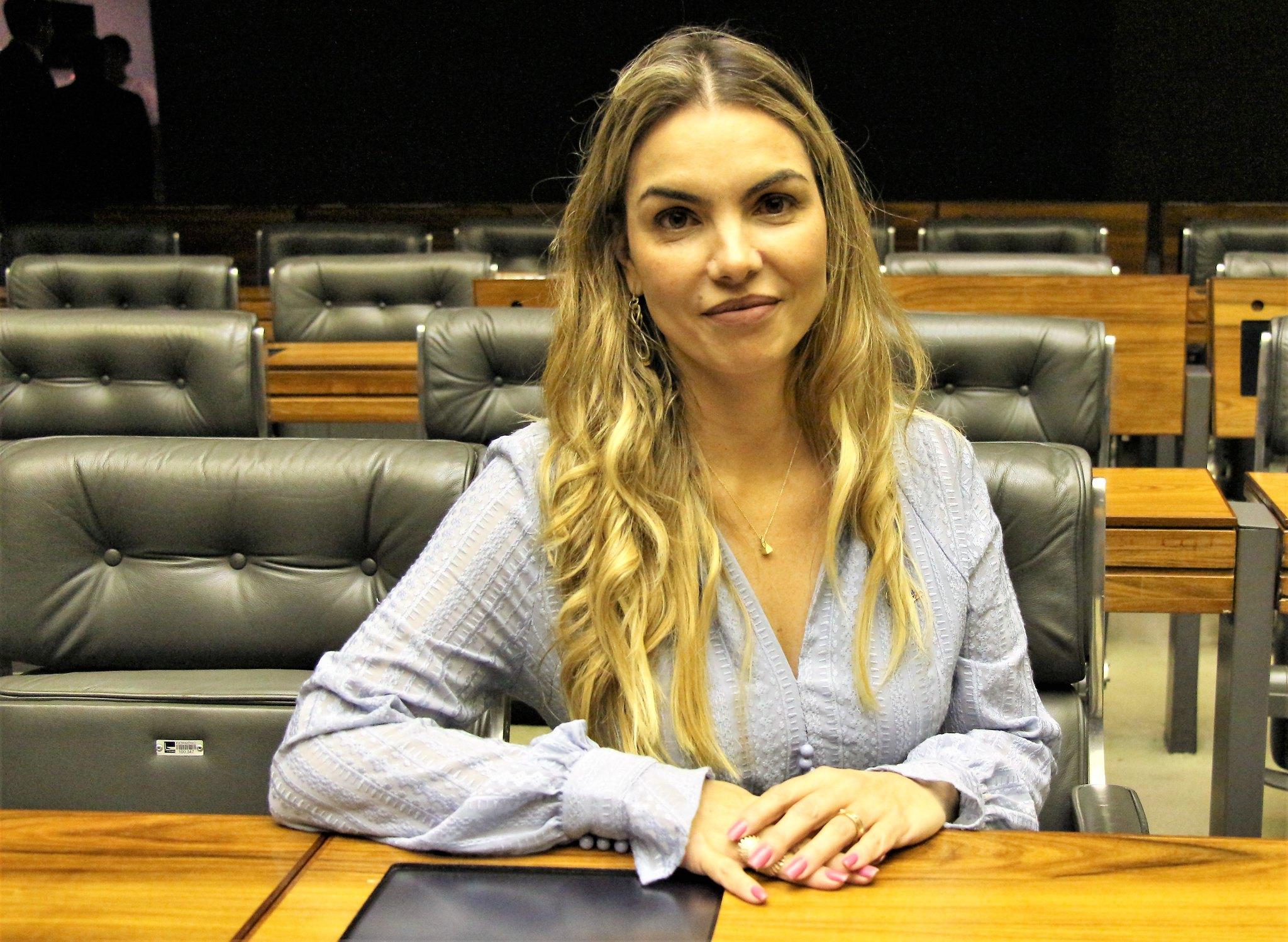 Paula Belmonte disputa prêmio de melhor deputada do Brasil