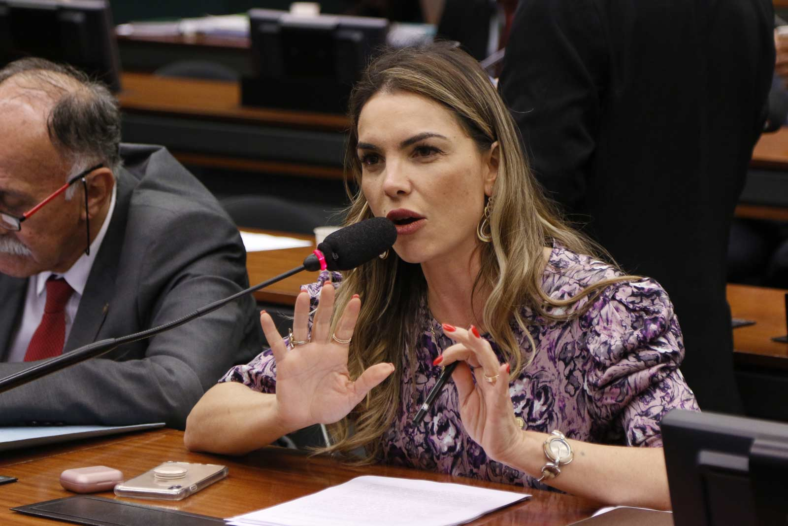 AO VIVO: Paula Belmonte participa de debate sobre a primeira infância
