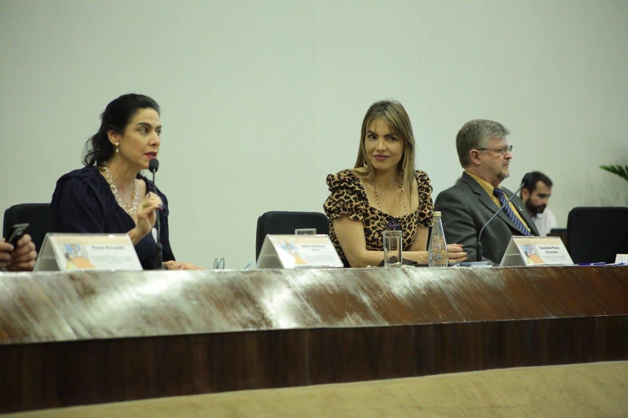 Seminário debate o direito da criança e do adolescente