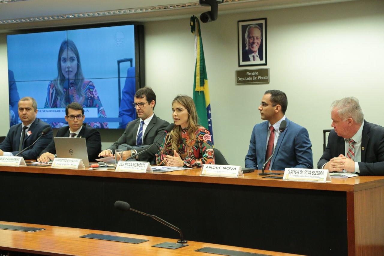 Paula Belmonte comanda debate sobre pedofilia e abuso sexual contra crianças