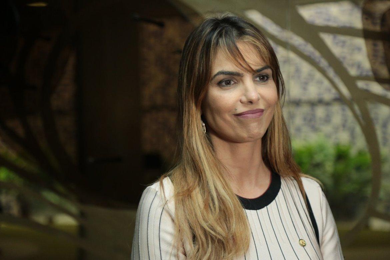 Paula Belmonte propõe que GDF cobre IPTU de imóveis funcionais