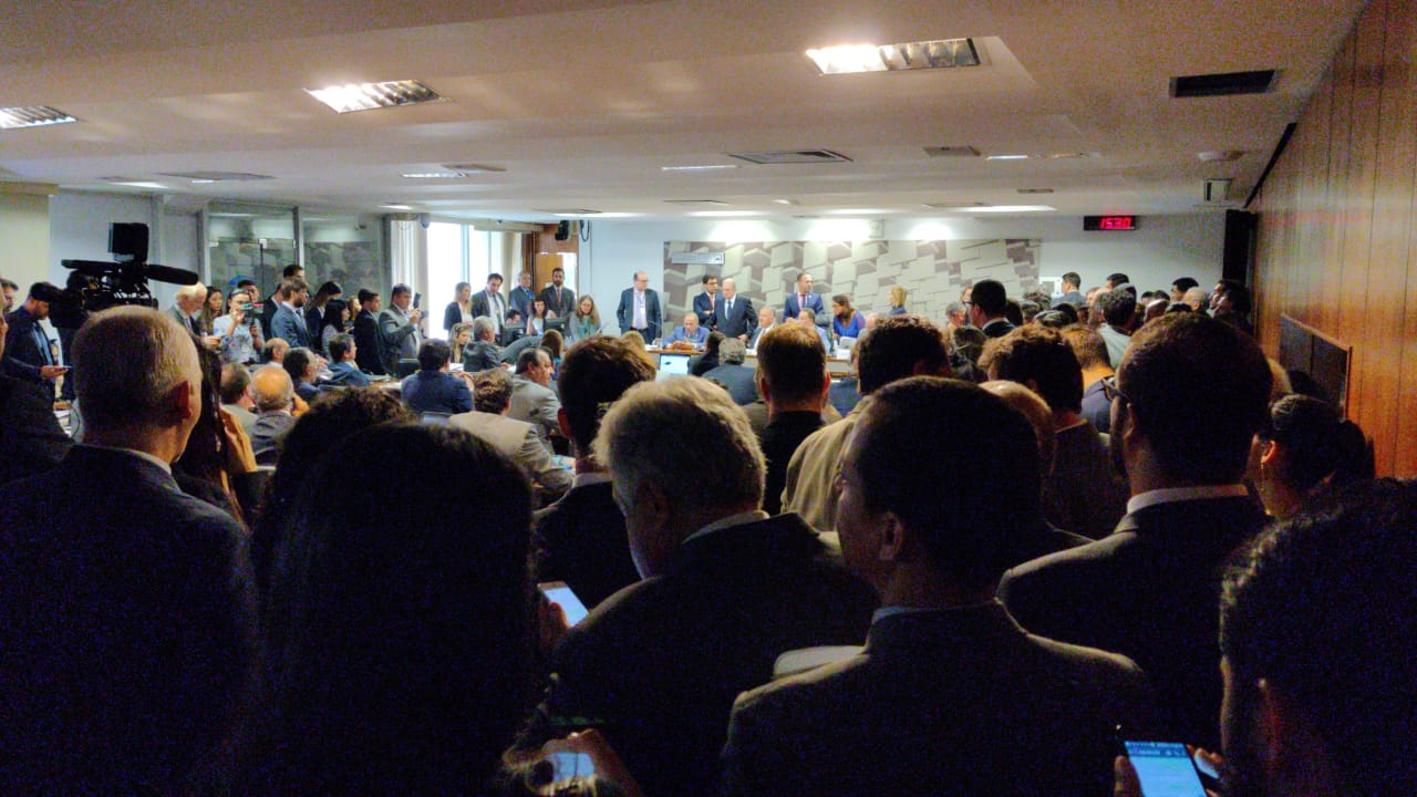 AO VIVO: Comissão debate Reforma Tributária