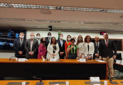 AO VIVO: Paula Belmonte preside rodada de entrevista com candidatos à presidência da Câmara