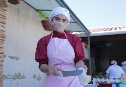 Paula Belmonte prepara almoço solidário em Vicente Pires